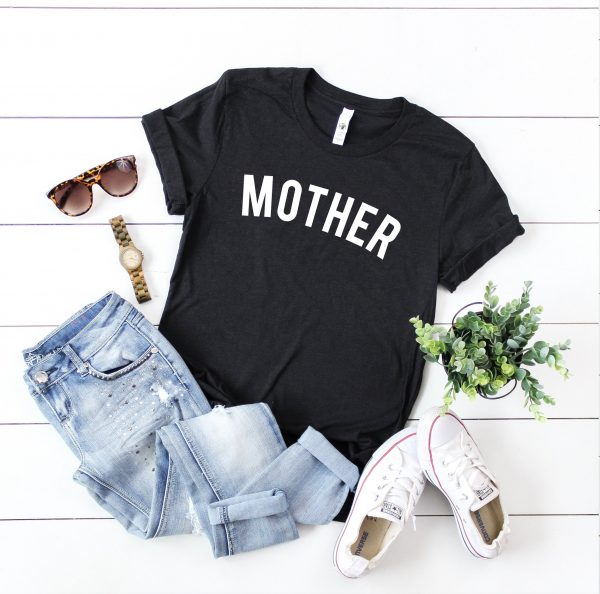 mother t-shirt in black